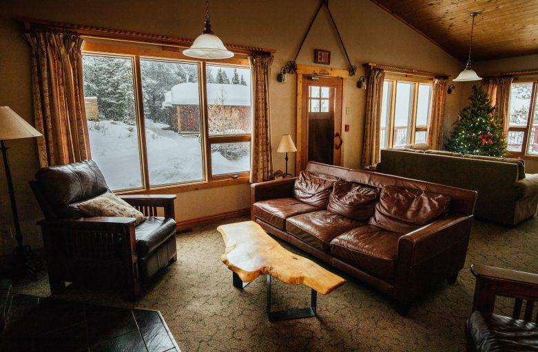 Designer Tips For A Stunning Living Room Arrangement